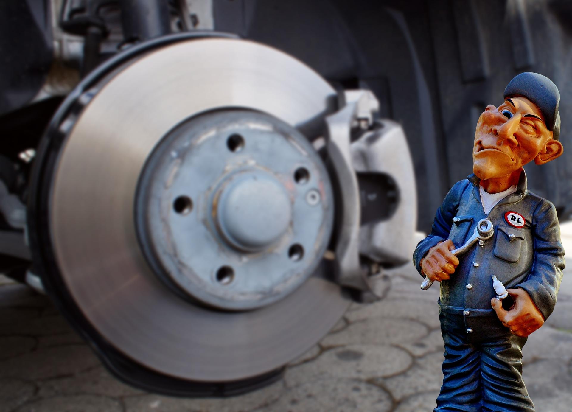 汽车小白都能学会的三招自检刹车片,你了解吗?